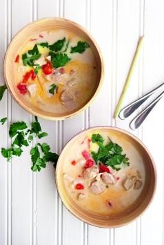 thai-coconut-soup-2